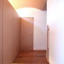 関町北の家の写真 木製アーチ天井の玄関