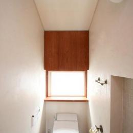 八雲の家 ヨーロピアンテイストの小さな家 (2階のトイレ)