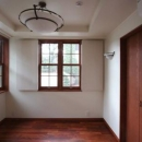八雲の家 ヨーロピアンテイストの小さな家の写真 1階の主寝室