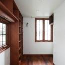 八雲の家 ヨーロピアンテイストの小さな家の写真 1階玄関脇の南向きの書斎