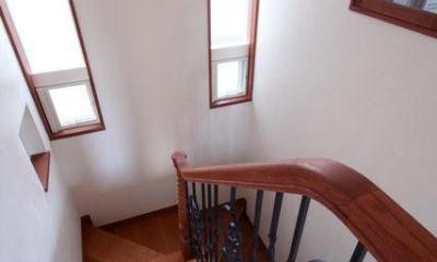 八雲の家 ヨーロピアンテイストの小さな家 (階段)