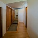 七郷の平屋の写真 和室から玄関を見る