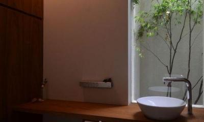 若葉いろの家 (自然を感じるトイレ)