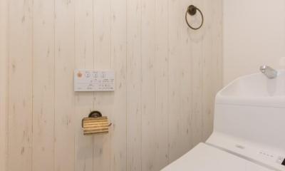 柔らかな彩りに包まれる北欧テイストの暮らし (トイレ)