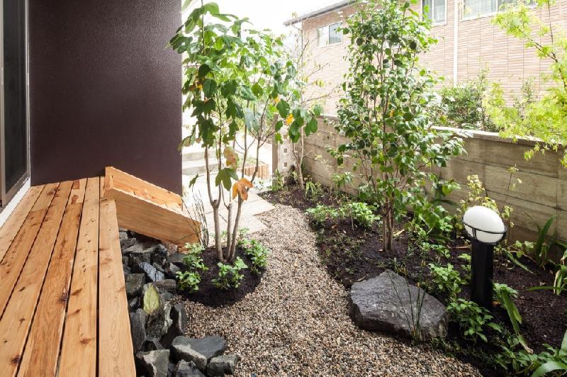 T 様邸 「鉄筋コンクリートの家」の部屋 坪庭