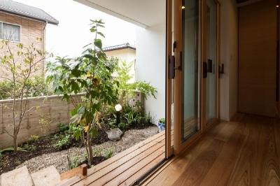 廊下 (T 様邸 「鉄筋コンクリートの家」)