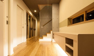 T 様邸 「鉄筋コンクリートの家」 (ホール)