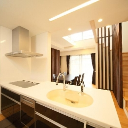 H 様 邸  「KASO HOUSE」 (キッチン)