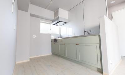 U邸・好きな色をふんだんに取り入れたリノベーション (オリジナルキッチン)