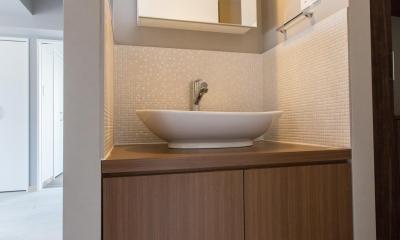 U邸・好きな色をふんだんに取り入れたリノベーション (洗面台)