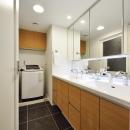 大判フロアタイルの洗面所