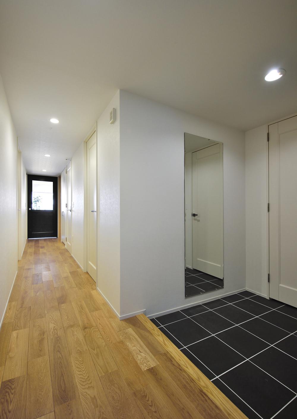 N邸・素足が気もち良い 広々リビングの部屋 廊下