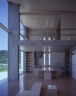 室津・海の家 (収納たっぷりのダイニングキッチン)