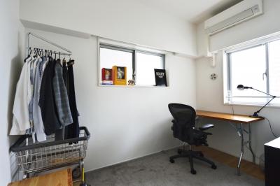 書斎部屋 (N邸・素足が気もち良い 広々リビング)