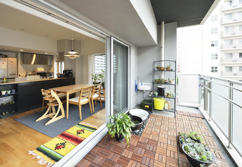 リフォーム・リノベーション会社:スタイル工房「N邸・素足が気もち良い 広々リビング」