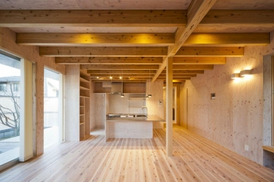 蒔絵台のSimpleBoxHouse 2 (木を感じるダイニングキッチン)