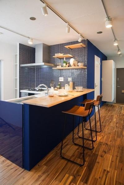 団地リノベーション 02  山小屋風カフェのある部屋 (カウンターキッチン)