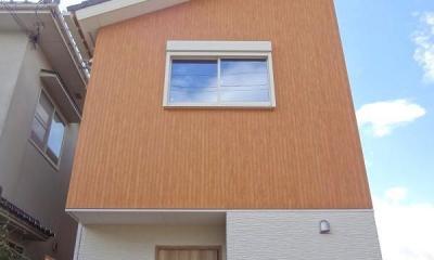 敷地を活かした設計で広がりのあるLDKを実現。施主様こだわりのナチュラルアンティークの家