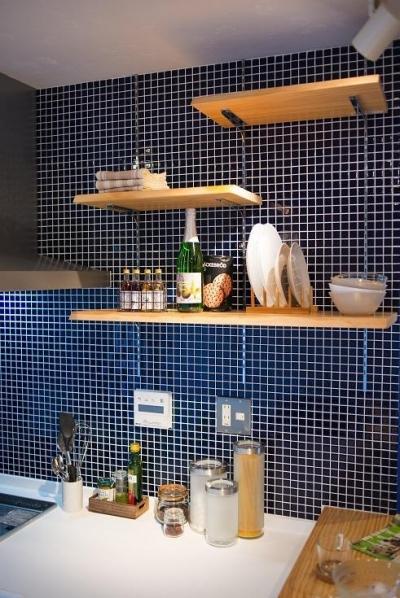団地リノベーション 02  山小屋風カフェのある部屋 (キッチン収納)