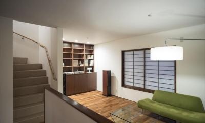 造作本棚のある家:『江古田の戸建リノベーション』 (リビング)