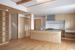 松阪市のY邸 (収納棚とアイランドキッチンのあるLDK)
