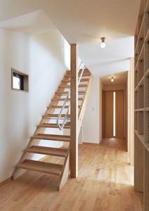 松阪市のY邸の写真 廊下・オープン型階段