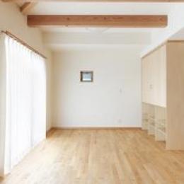 松阪市のY邸 (梁の見える洋室)