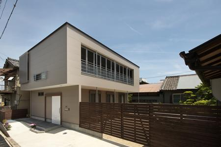 松阪市のY邸の写真 ゲートとカーポート付き住宅