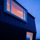 夕景に映える出窓