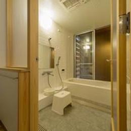 津市のN邸 (浴室)