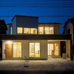 U-HOUSE (外観 夜景)