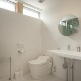 清潔感のある白いトイレ