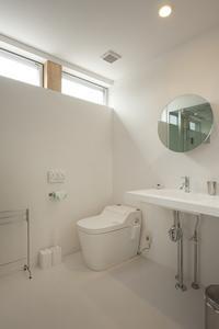 U-HOUSEの部屋 清潔感のある白いトイレ