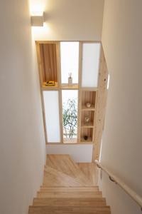 U-HOUSEの部屋 飾り棚のある階段