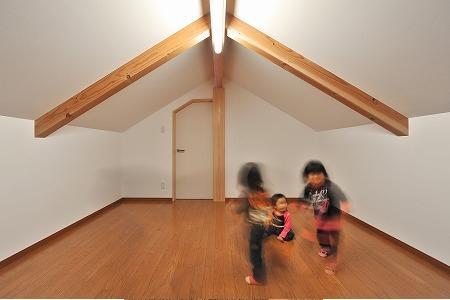 海野の家の部屋 屋根裏部屋