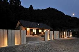 海野の家 (外観 夜景)