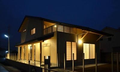 ライトアップした外観|ハタノウエ~和歌山の家~