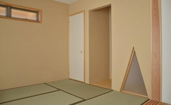 ハタノウエ~和歌山の家~の部屋 旅館的な空間