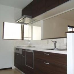 対面式キッチン (採光で明るいLDKへ)