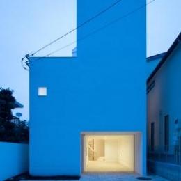 上大崎の家 (白くシンプルな外観)