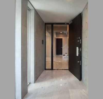 TKプロジェクト (住宅部分玄関)