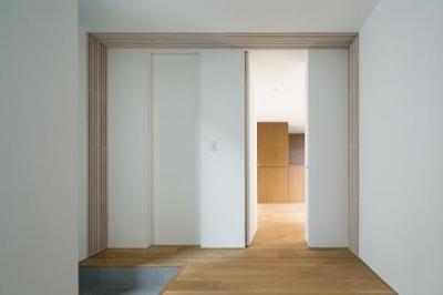 玄関・洋室 (桜新町の家)