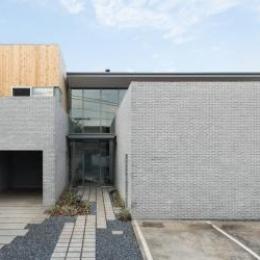 桜新町の家 (大開口の広々とした住宅)