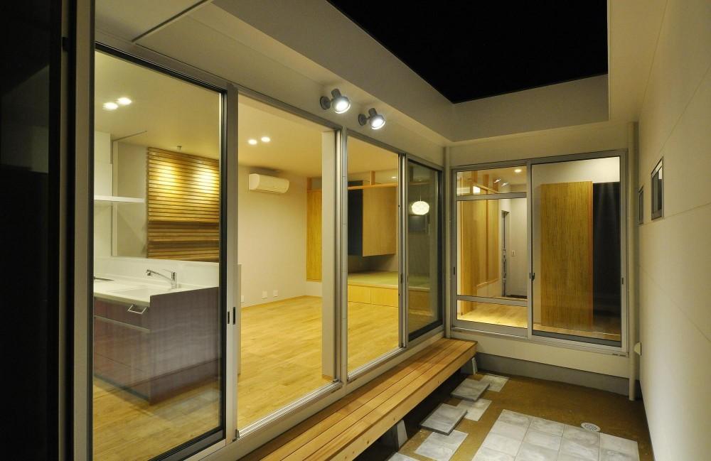 中庭から (Yoshi-house)