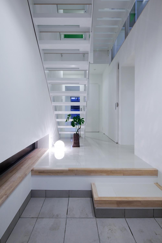 Y-house (玄関)