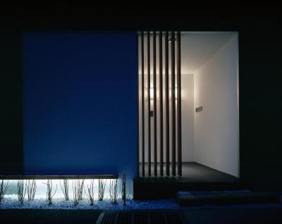 E-ta-ji-ma HOUSE (玄関)