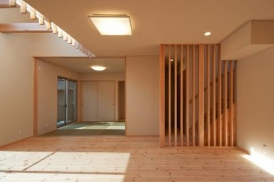 中ノ島の家 (和室と繋がりのあるリビング)