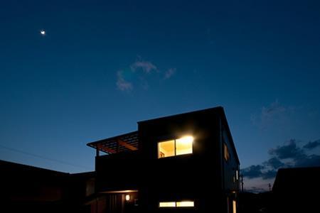 中ノ島の家の部屋 外観 夜景
