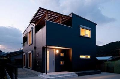 中ノ島の家 (外観 夕景)