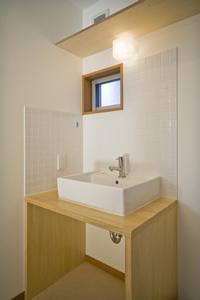 津市のA邸の部屋 洗面台